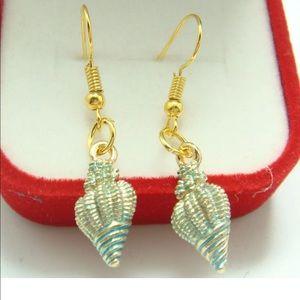 18K Gilded Hook Oil Painted Conch Shell Earrings